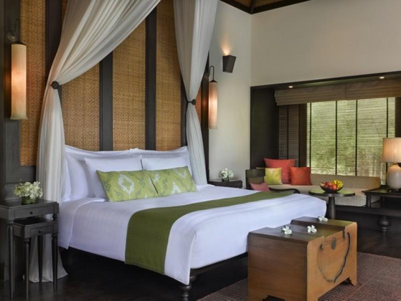 Anantara Phuket Villas -Pool_Villa_bedroom