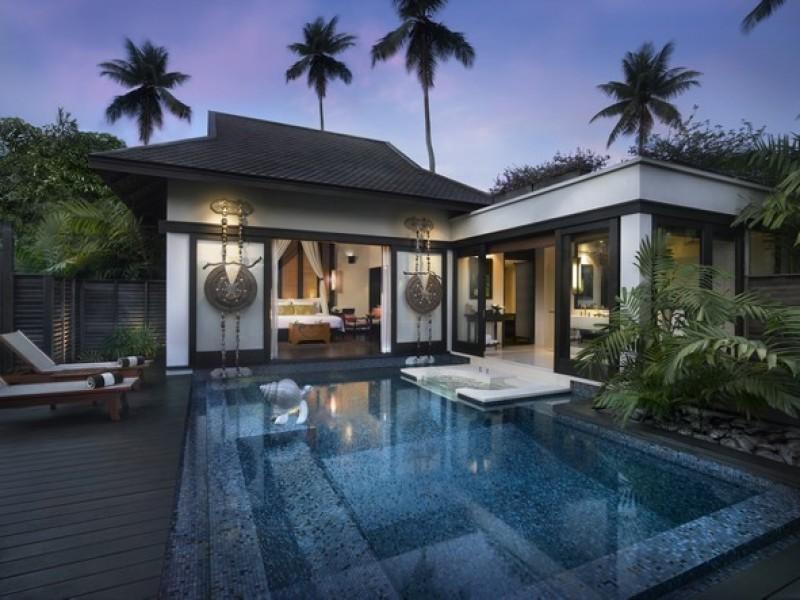 Anantara Phuket Villas Sala_Pool_Villa_at_night
