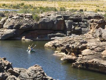 Bushman Canoeing_002_S