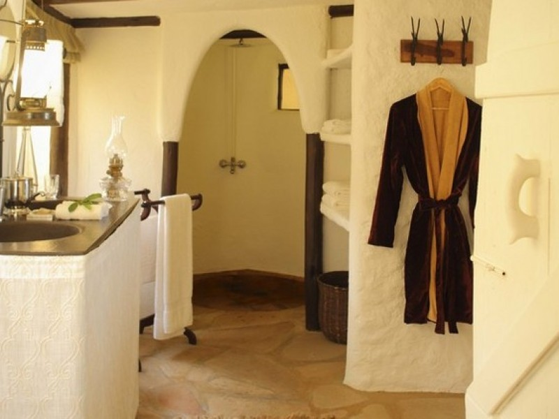 Cottar's - Family Tent Bathroom