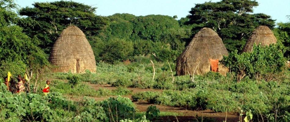 Kenya_villaggio_Oma
