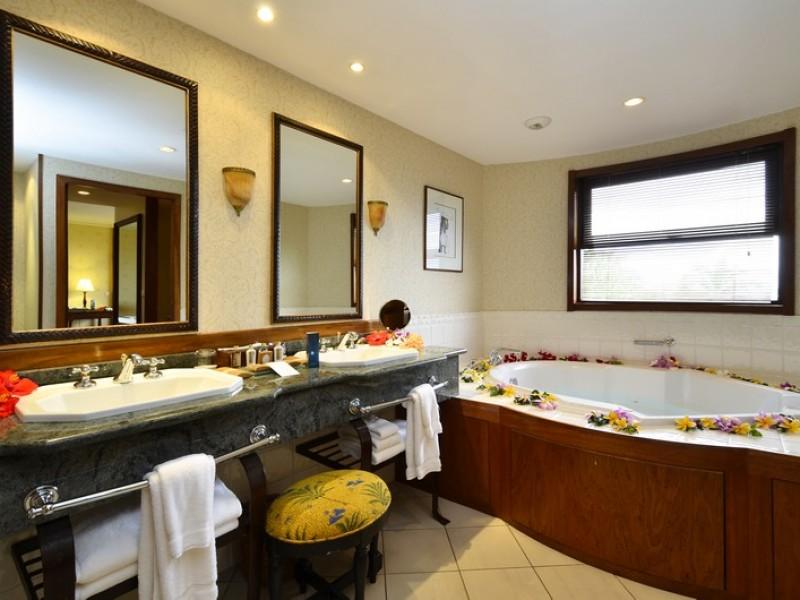 PPT Intercontinental Tahiti Panoramic Suite Bathroom