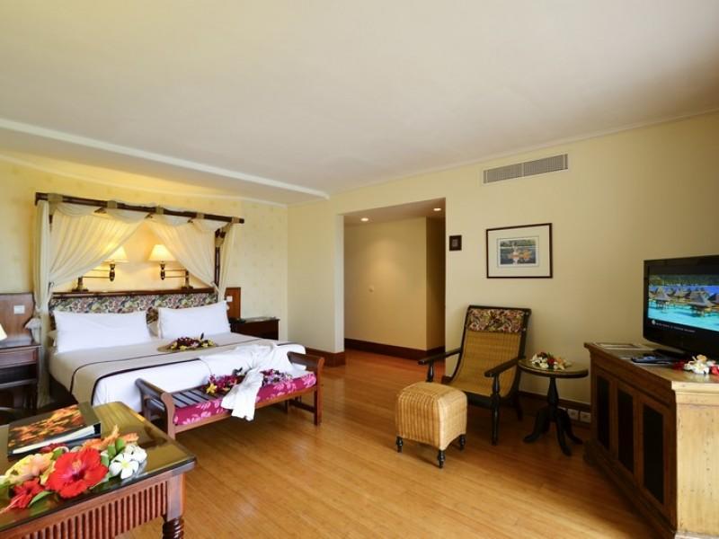 PPT Intercontinental Tahiti Panoramic Suite Bedroom