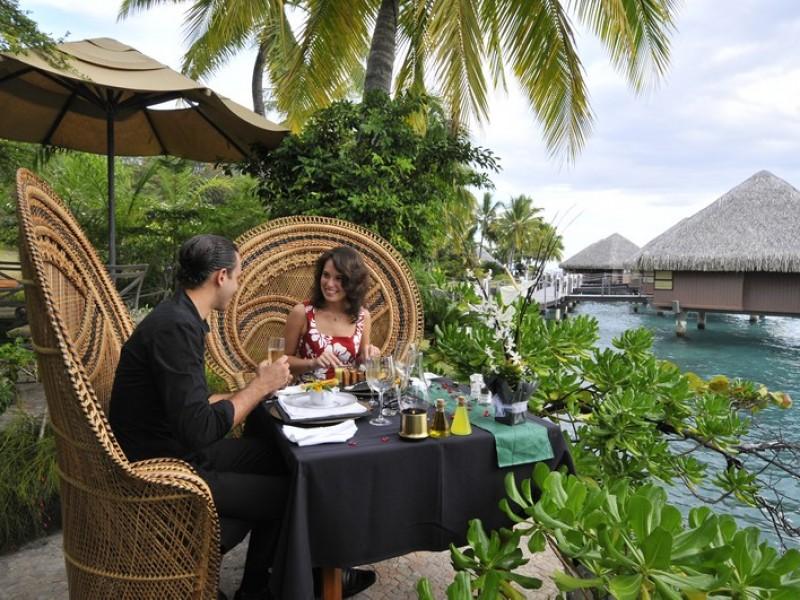 PPT Intercontinental Tahiti Romantic Moment