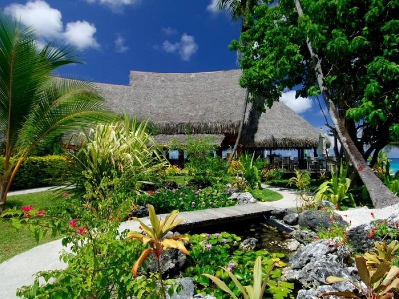 RGI Maitai Rangiroa Hotel_garden_View (1)
