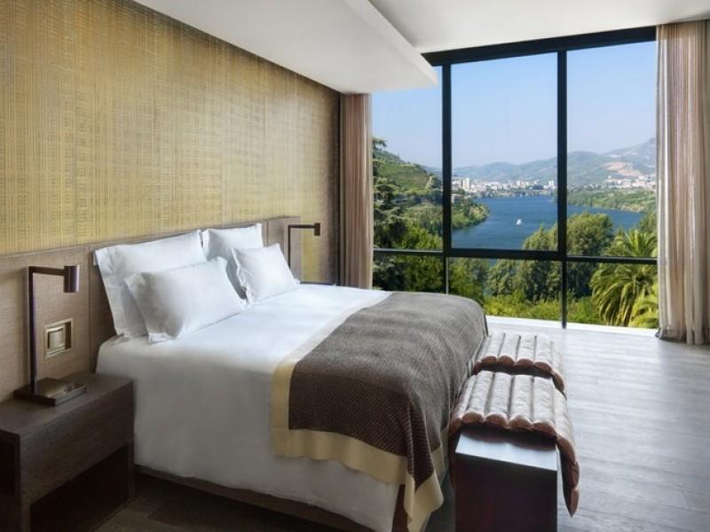 Six Senses Douro Valley Quinta_Panorama_Suite_bedroom_