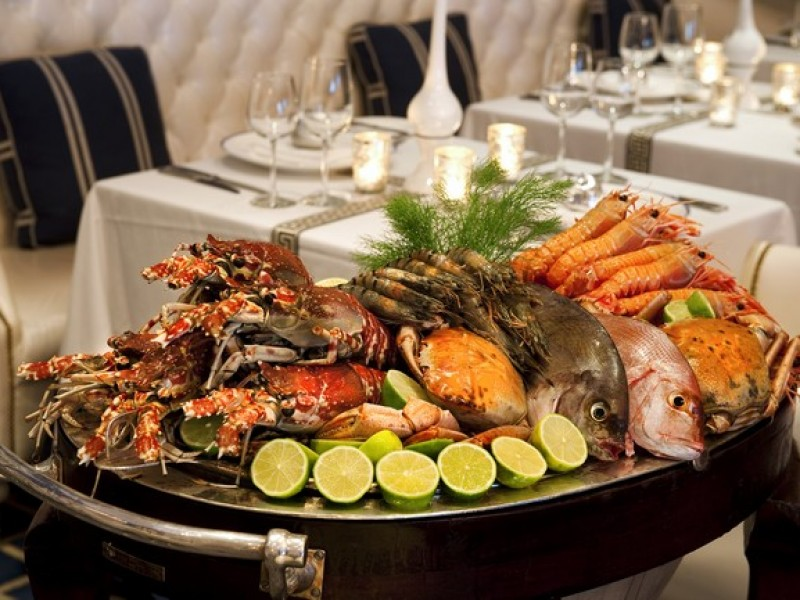 The Oyster Club OB_GrillRoom_013_S