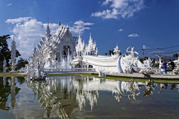 Wat-Rong-Khun-Temple-Thailand-03